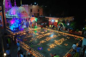 The atmosphere turned enchanting here, 5100 lamps illuminated under the leadership of Ghaziabad Mahant