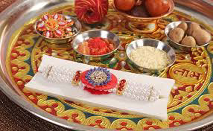 Tie rakhi at this time, this is auspicious time