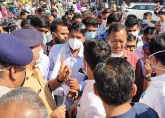 Firing here took five and a half lakhs in Jaipur, people descended in protest